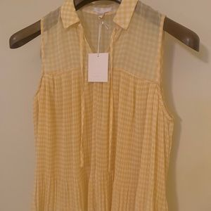 LC Lauren Conrad Tops - Lauren Conrad Sleeveless Pleated Top